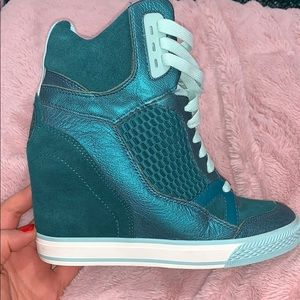 Used DKNY blue/green high heel sneaker